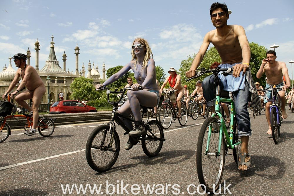 WorldNakedBikeRide-Brighton2010-28