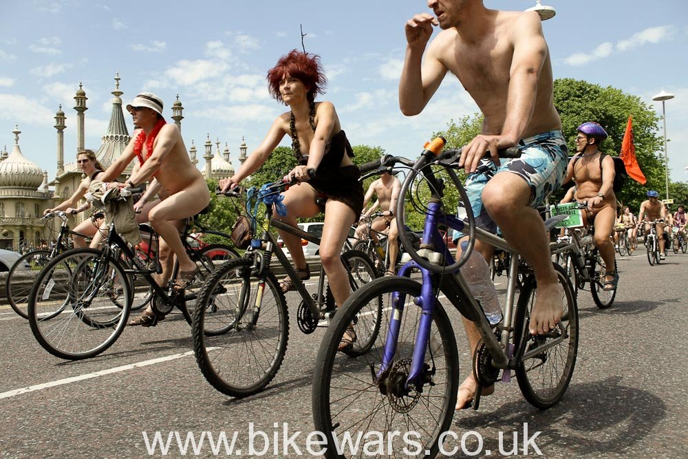 WorldNakedBikeRide-Brighton2010-29