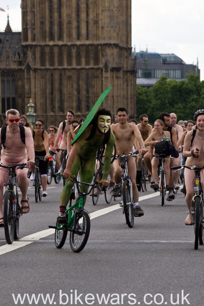 Worldnakedbikeride-L-27