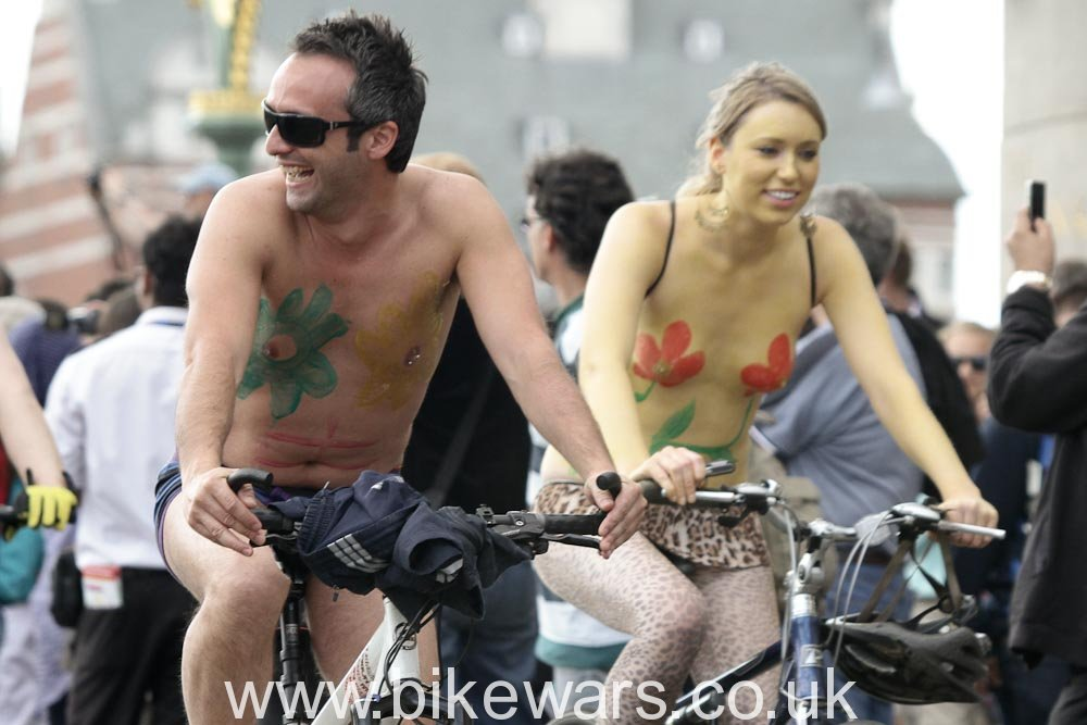 WorldNakedBikeRide-London2010-116