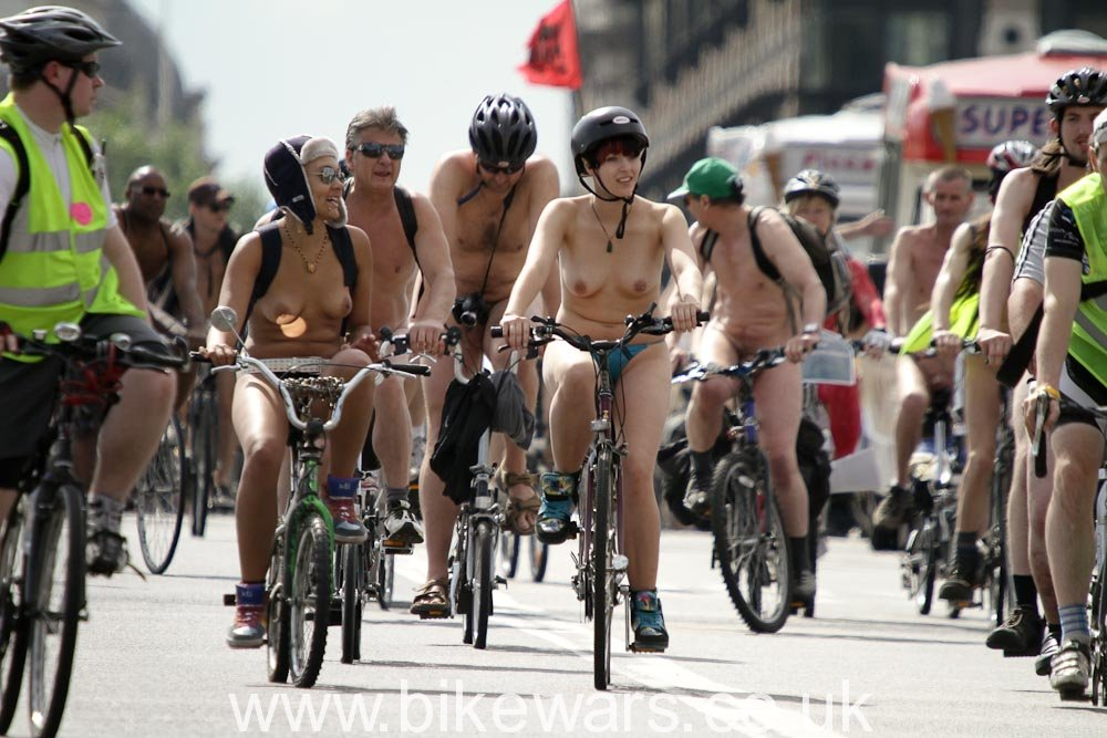 WorldNakedBikeRide-London2010-2